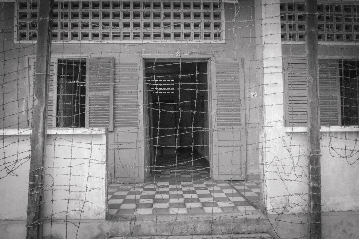 Wizyta na Polach Śmierci – ślady krwawych rządów Pol Pota w Kambodży